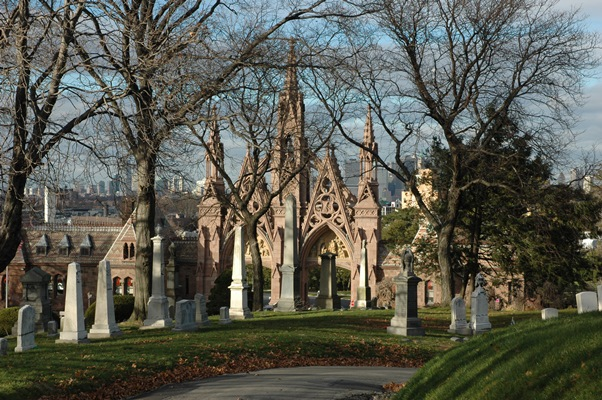 Green Wood Cemetery