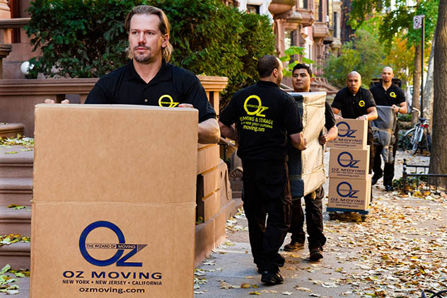 Hire movers to help move properly