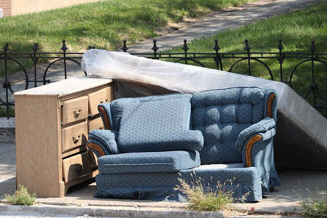 How To Sell Donate Or Dispose Unwanted Furniture In Nyc Oz Moving